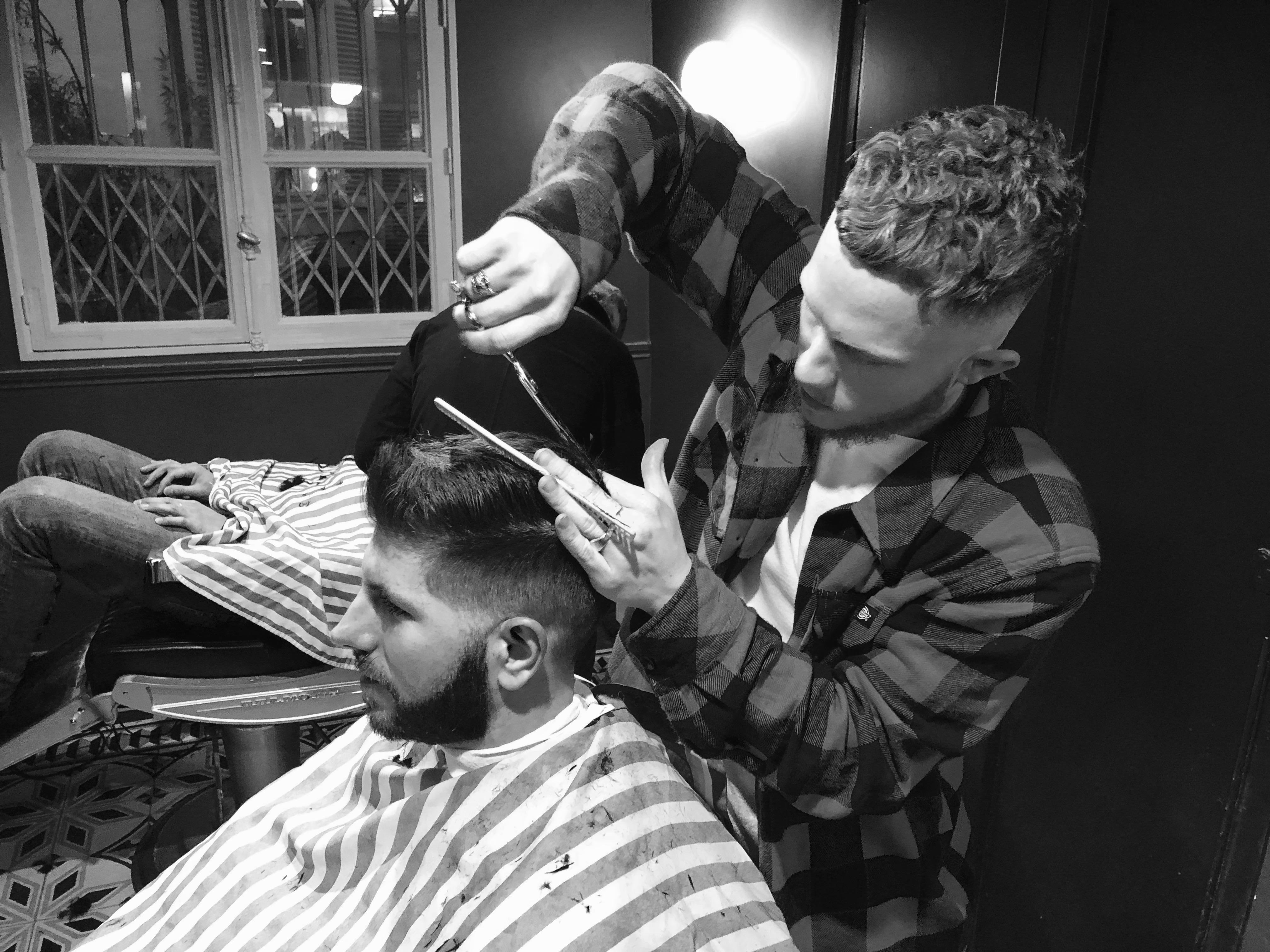 Max Les Garçons Barbiers Coiffeur Barbier Paris