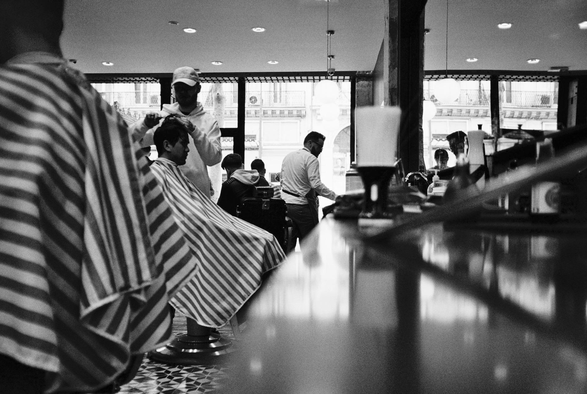 Les Garçons Barbiers old school Barber